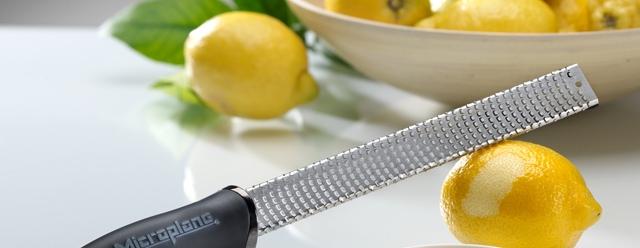 Zester lemons